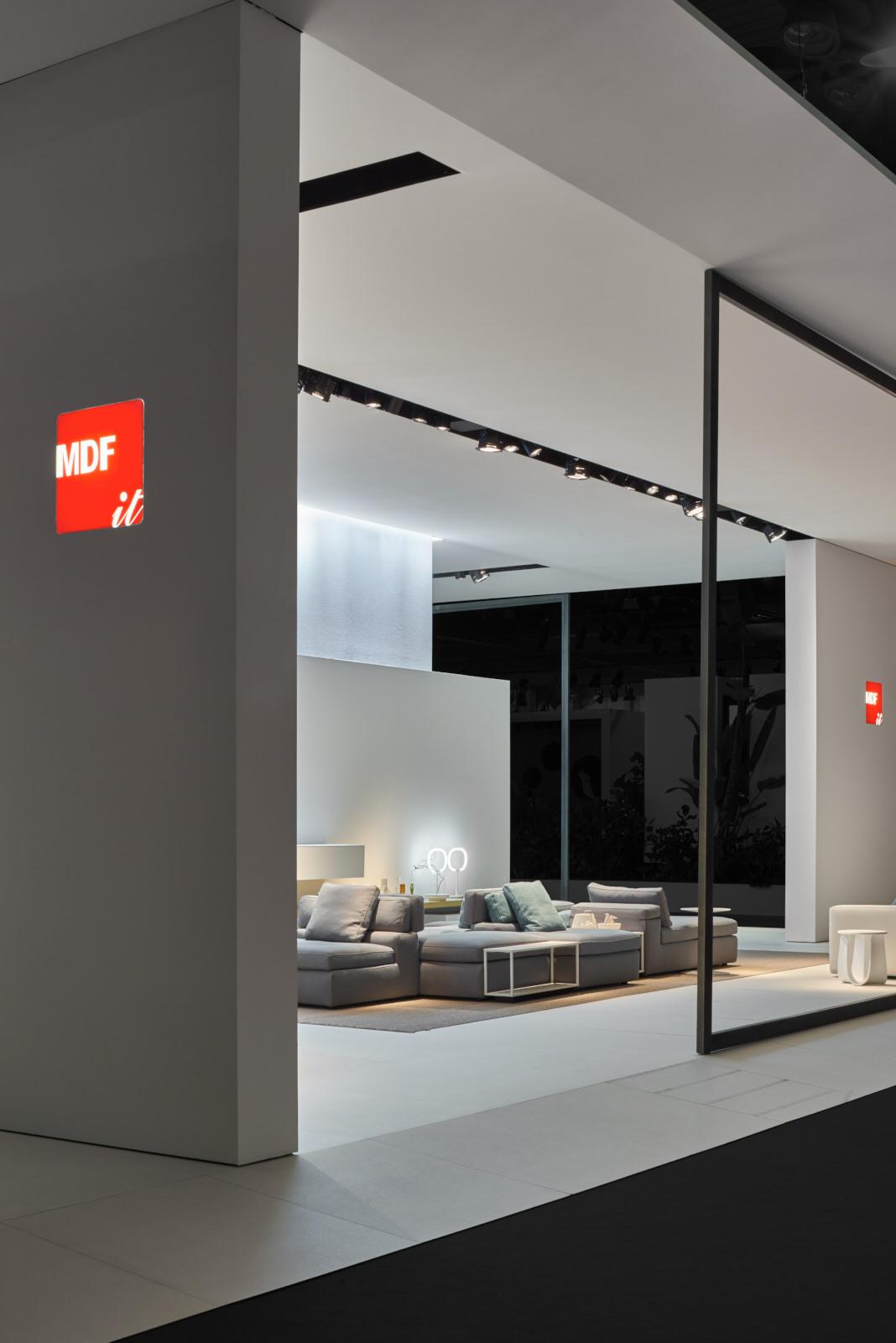 mdf italia cambiare per rimanere se stessi. Black Bedroom Furniture Sets. Home Design Ideas